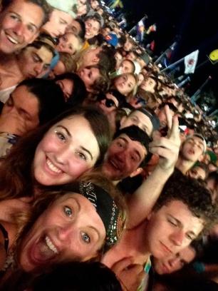 eminem crowd selfie